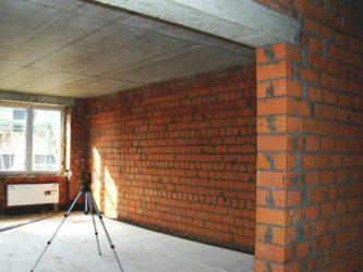 Возведение кирпичных стен в квартире