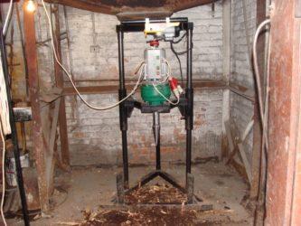 Как пробурить скважину в гараже?